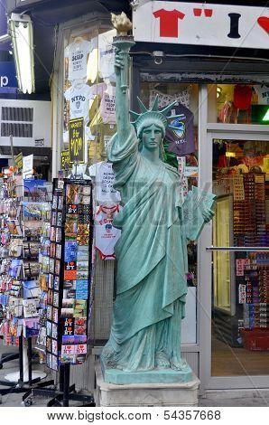 souvenirs store