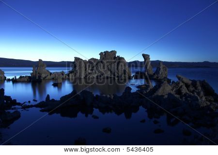 Tufa Rock Formations In Mono Lake Califonia