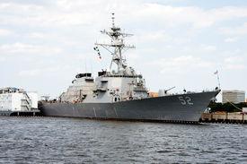 image of ticonderoga  - USS Bunker Hill  - JPG