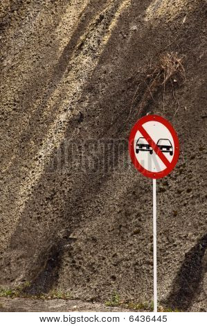 Not overtake sign