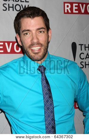 LOS ANGELES - APR 30:  Drew Scott at the NCTA's Chairman's Gala Celebration of Cable with REVOLT at The Belasco Theater on April 30, 2014 in Los Angeles, CA