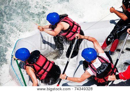 Rafting as extreme and fun sport