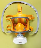 pic of respiration  - Yellow gas mask  - JPG