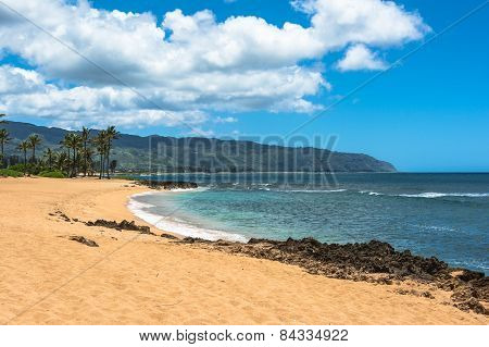 Sand beach along North Shore, Oahu