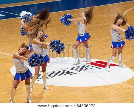 Dancing Cheerleaders