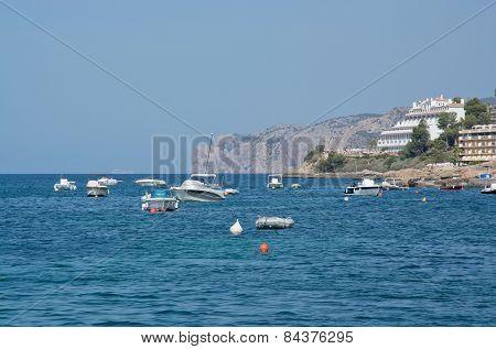 Boats near Santa Ponsa and the hotel Punta del Mar