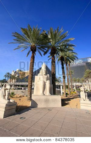 Las Vegas, Usa - March 19: Replica Of Ancient Egyptian Statue At Luxor Hotel And Casino On March 19,