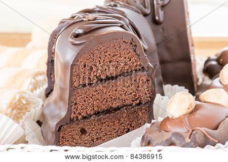 mixed chocolate cake