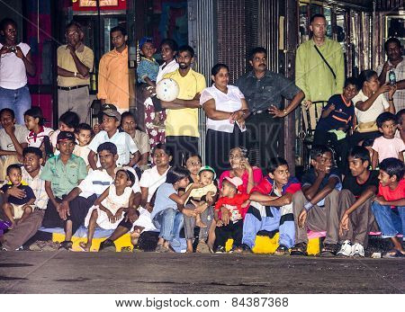 People Watch The  Festival Pera Hera By Night