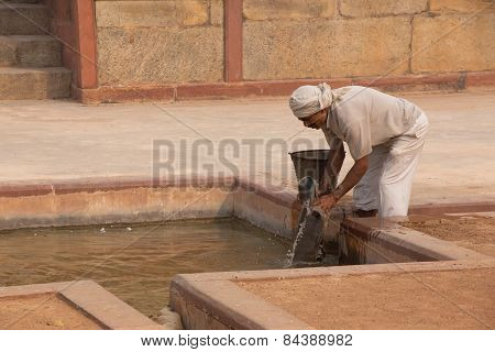 Delhi, India - November 4: Unidentified Works At Humayun's Tomb Complex On November 4, 2014 In Delhi
