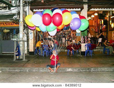 Man Sells Balloons In Khao San Road