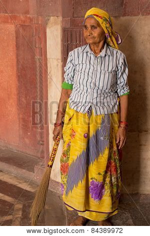 Delhi, India - November 4: Unidentified Woman Sweeps At Humayun's Tomb On November 4, 2014 In Delhi,