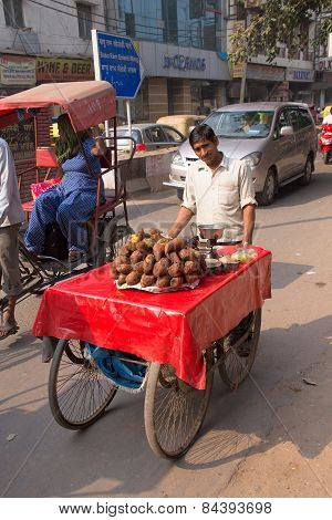 Delhi, India - November 5: Unidentified Man Pushes Cart With Food On November 5, 2014 In Delhi, Indi