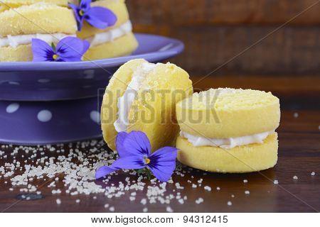 Australian Style Yo-yo Biscuits.