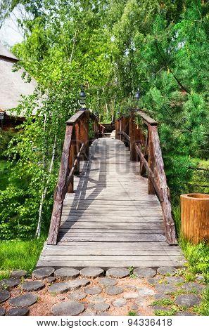 Wooden bridge over the ravine