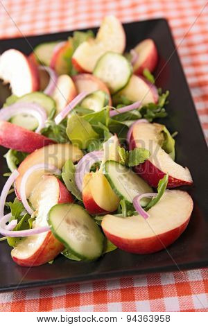 peach salad with rocket