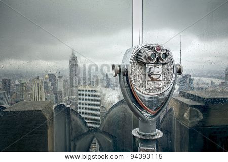 An image of New York at a rainy day binoculars