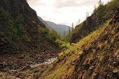 picture of plateau  - The Putorana plateau the river Bucharama - JPG