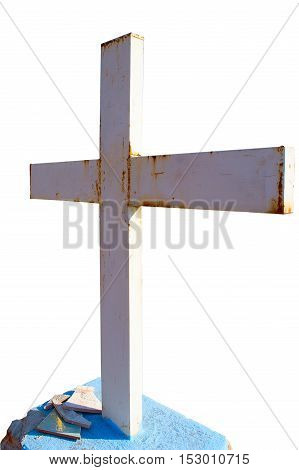 Vertical photo in color and isolate of a metallic rusty cross