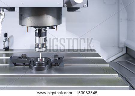 The probe for measurement the sample part on the CNC machine