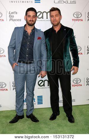 LOS ANGELES - OCT 22:  Michael Turchin, Lance Bass at the 26th Annual Environmental Media Awards at Warner Brothers Studio on October 22, 2016 in Burbank, CA