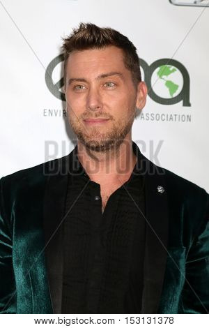 LOS ANGELES - OCT 22:  Lance Bass at the 26th Annual Environmental Media Awards at Warner Brothers Studio on October 22, 2016 in Burbank, CA