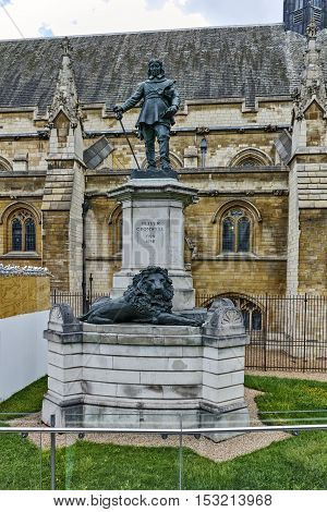 Oliver Cromwell Statue in front of Palace of Westminster,  London, England, Great Britain