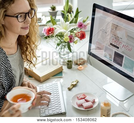 Shopping Internet Digital Connection Networking Concept