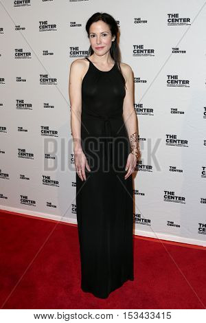 NEW YORK-APR 2: Actress Mary Louise Parker attends attends the 2015 Center Dinner at Cipriani Wall Street on April 2, 2015 in New York City,