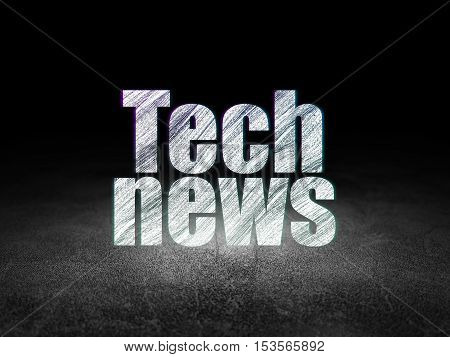 News concept: Glowing text Tech News in grunge dark room with Dirty Floor, black background