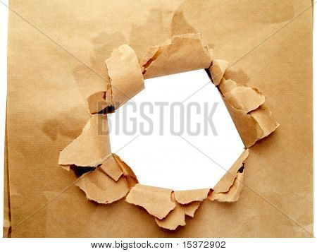 Packpapier mit Loch, isolated on white