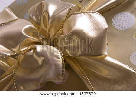 Golden Bow 7268