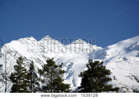 High Peak Mountains