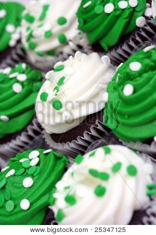 Green and White St. Patricks Day Cupcakes
