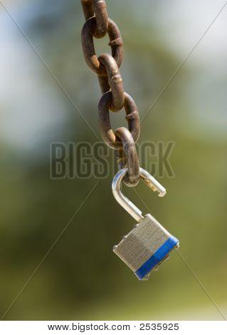 Padlock On Chain 2