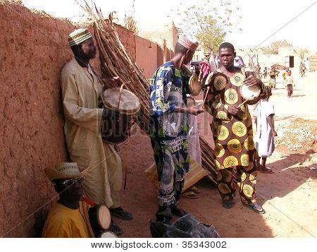 Traditional players at Kara Kara village