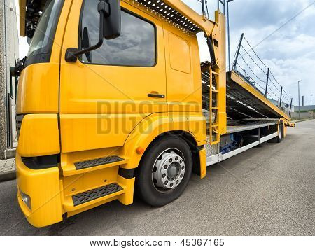 empty car carrier truck