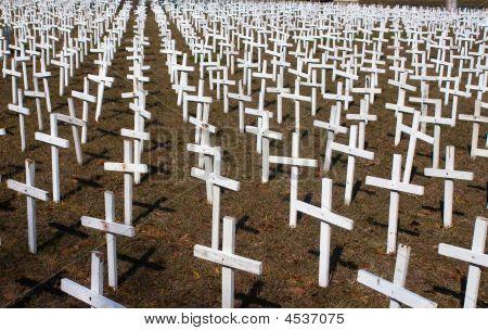 Weiße Kreuze