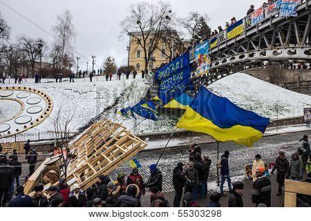 First Barricades Around The Maidan In Kiev
