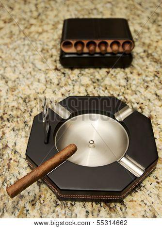 Cigars and cigar ashtray