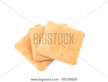 Several saltine soda crackers.