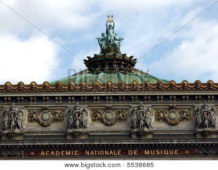 Opera Statua Centrale