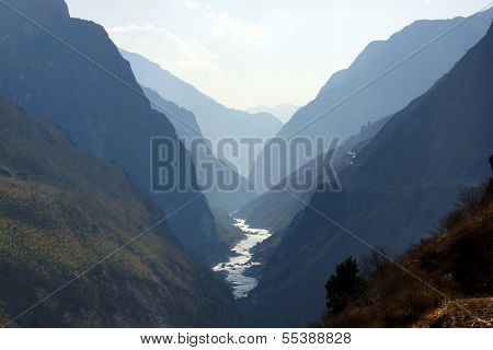 Tiger Leaping Gorge (hutiaoxia) near Lijiang, Yunnan Province, China
