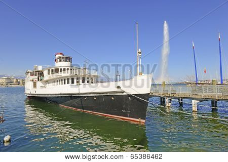 Ship and Jet d'Eau Fountain in Lake Geneva, Geneva, Switzerland