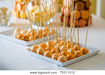 Cake Pop Is A - Cake Styled As A Lollipop
