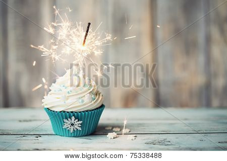 Chriatmas cupcake decorated with sparkler