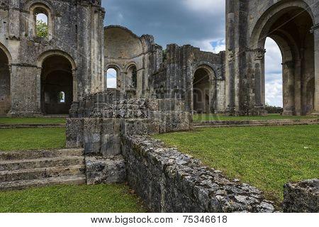 Suspence Monastery La Sauve-Majeure