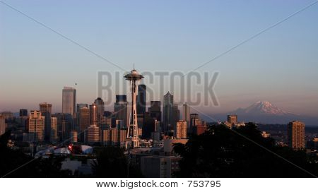 seattle and mount raineer