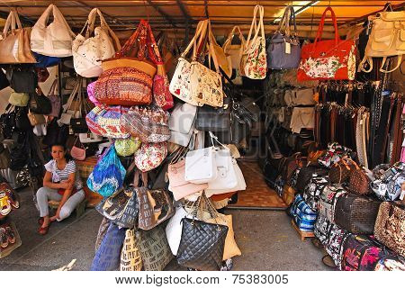 Hand bags for sale in Makarska