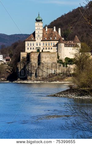 austria, lower austria, wachau, schoenbuehel castle on the right bank of the danube